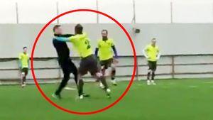 Футболист «Сибири» напал насудью. Тот засчитал гол из3-метрового офсайда