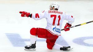 «Годик фигней помаялся, а потом начал фанатеть от хоккея». Он ждал шанса в СКА целых 5 лет