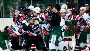 Крупнейшая драка в истории российского хоккея. Как «Ак Барс» и «Трактор» бились команда на команду в 2008-м