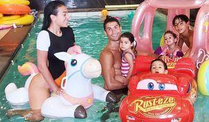 Невеста Роналду показала видео с празднования дня рождения детей футболиста
