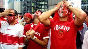 «Вы опозорили страну!» Финал Лиги чемпионов опять отобрали у Турции — теперь пострадает Санкт-Петербург?