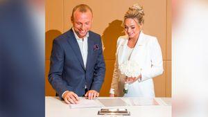 Глушаков поздравил Коваленко с днем рождения, выложив фото с их церемонии бракосочетания