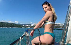 «Это забавляет». Прыгунья в воду Полякова— о том, что самый популярный запрос в поисковике— ее фото в купальнике