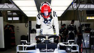 Русский гонщик Квят отказался вставать на одно колено ради борьбы с расизмом. Как стартовал сезон Формулы-1