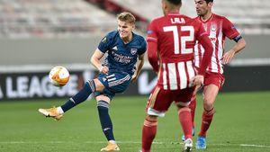 Красивый гол Эдегора помог «Арсеналу» победить «Олимпиакос» в Греции