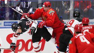 Большой скандал в матче Россия — Канада на МЧМ. Наши называли Хейтона «немужиком» — он не снял шлем во время гимна