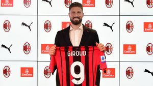 Все, кто в последние годы играл в «Милане» под 9-м номером, терпели крах— Жиру следующий?
