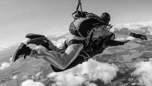 Умерла самая возрастная парашютистка вмире. Ейбыло 110 лет
