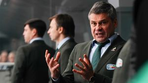 Скандал в российском хоккее: Квартальнов негодует, что игроков «Ак Барса» рано забрали в сборную. Его можно понять