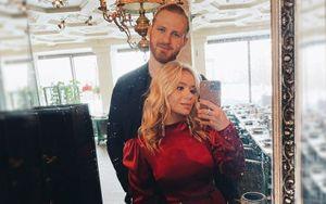 Хоккеист ЦСКА Телегин после развода с певицей Пелагеей сделал предложение руки и сердца новой возлюбленной
