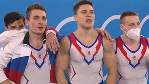 «Сумасшедшие эмоции и слезы». Реакция российских гимнастов, ставших олимпийскими чемпионами: видео