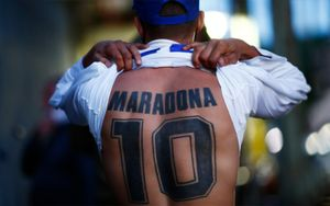 Виллаш-Боаш предложил навсегда вывести из обращения 10-й номер во всех командах в память о Марадоне
