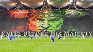 Фанаты «Легии» издевательским баннером обыграли акцию в поддержку BLM перед матчем против «Лестера»