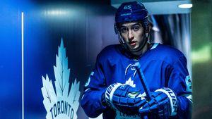 «Домашнее задание» от «Торонто», штанга 105 кг и суп на обед. Как русский хоккеист Михеев готовится к сезону в НХЛ