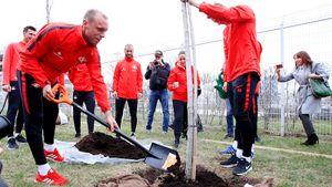 «Вот, настоящий капитан!» Болельщики «Спартака» оценили старания Глушакова на дне рождения клуба