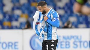 Инсинье расцеловал футболку Марадоны после гола в ворота «Ромы»