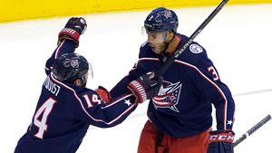 Главная сенсация плей-офф НХЛ. Бывший клуб Панарина и Бобровского спасся с 0:3 и добил «Торонто» в овертайме