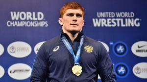 Борец Евлоев выиграл второе золото ЧМ подряд. Титул достался ему без борьбы