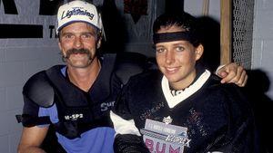 27 лет назад за клуб НХЛ впервые сыграла женщина. Великий Эспозито позвал ее раскручивать «Тампу»