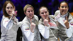 Золото России в команде на ЧМ по фехтованию: Дериглазова драматично спаслась и выиграла в овертайме