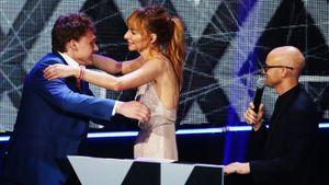 Капризов обнимал звезду Comedy Woman, Гусев вышел на красную дорожку в кедах. Фото церемонии КХЛ