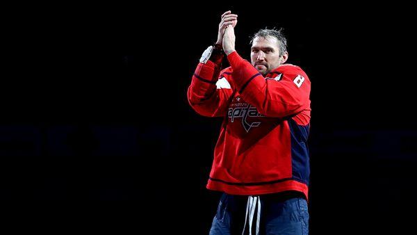 Овечкину идругим звездам разрешили вернуться вРоссию. Ноони останутся вАмерике ибудут ждать нового плана НХЛ