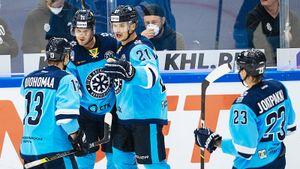 Первый хет-трик сезона КХЛ у финна из «Сибири». Пуустинен недавно переболел коронавирусом и вытащил команду с 0:3
