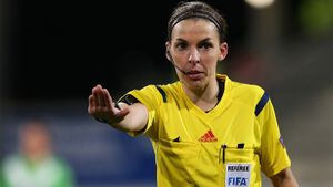 Матч Лиги чемпионов впервые обслужит женщина-арбитр. Француженка Фраппар рассудит «Ювентус» и киевское «Динамо»