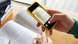 Как распознать и перевести онлайн текст по фото