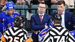 «Видимо, судьям не хватило камер». Что говорили хоккеисты и тренеры после зарубы СКА — ЦСКА