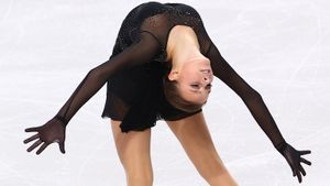 Чемпионка мира Щербакова проиграла новой звезде Тутберидзе, которая впервые выступила по взрослым. Что произошло