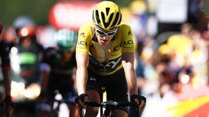 Победитель «Тур де Франс» устроил велогонку в гараже. Томас собрал больше £300 тыс. для медиков