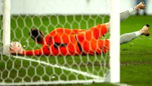 Героический сейв инелепый промах. Огненная концовка матча Лиги Европы
