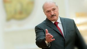 Лебедев: «Лукашенко всю жизнь стоит с протянутой рукой. Откуда у него деньги на Олимпиаду?»
