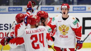 Денисенко переиграл Хофера напятаке! Россия побеждает Канаду вфинале МЧМ-2020. LIVE!