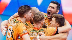 Сибирское дерби осталось за «Кузбассом»: чемпион страны «Локомотив» собрал аншлаг, но все равно уступил