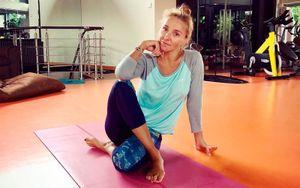 45-летняя Навка попрыгала на скакалке под песню Высоцкого во время тренировки: видео
