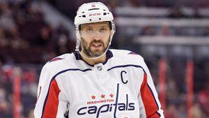 Овечкин избежал наказания за грязный прием. Русский хоккеист «Вашингтона» жестко впечатал соперника в борт: видео