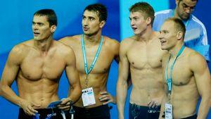 Русские пловцы внезапно выиграли эстафету на ЧМ-2003: обыграли непобедимых американцев и чуть не обновили рекорд