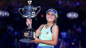 Американка из Москвы — самая юная чемпионка Australian Open за 12 лет. В финале Кенин удался камбэк