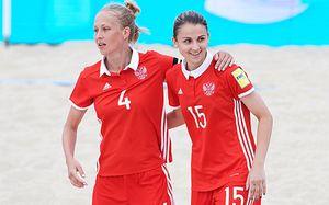Российские футболистки уже дошли до финала. Эти пляжные красавицы — пример для команды Черчесова