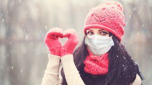 Доктор Комаровский: «Требование носить маску на улице — позорище. Но на морозе в ней появляется другой смысл»
