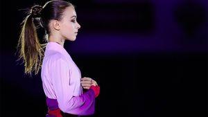 Щербакова показала растяжку ивыполнила прыжок под песню Леди Гага, тренируясь накарантине: видео