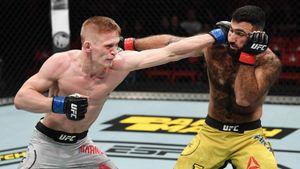 Его подписанию в UFC удивлялись все. Сегодня Хандожко выиграл свой дебютный бой