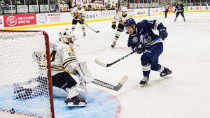 Нераскрученный талант из Сибири. 18-летний русский хоккеист разрывает юниорскую лигу Канады