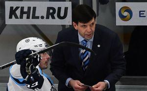 Самый огненный тренер КХЛ, которого уволили из «Сибири»