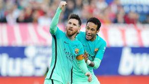 «Оставь Месси в покое, вор!» В «Барселоне» злятся из-за заигрываний «ПСЖ» с Лео, хотя годами звали назад Неймара