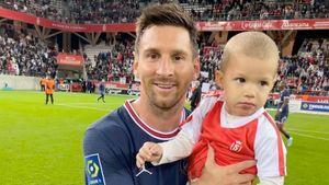 Вратарь «Реймса» после поражения от «ПСЖ» посадил своего сына на руки Месси и сфотографировал с легендой