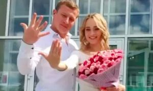 Фигуристы Устимкина и Маисурадзе сыграли свадьбу. Между ними разница — 13 лет