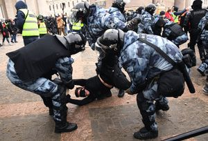 «Народ может быть использован как пушечное мясо». Футболист Д. Комбаров — о митингах в России